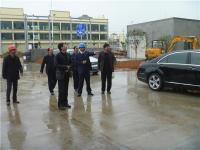 2014年2月28日,总经理刘泽民陪同华润水泥公司负责人考察万博体育手机登录网址公司新厂房。